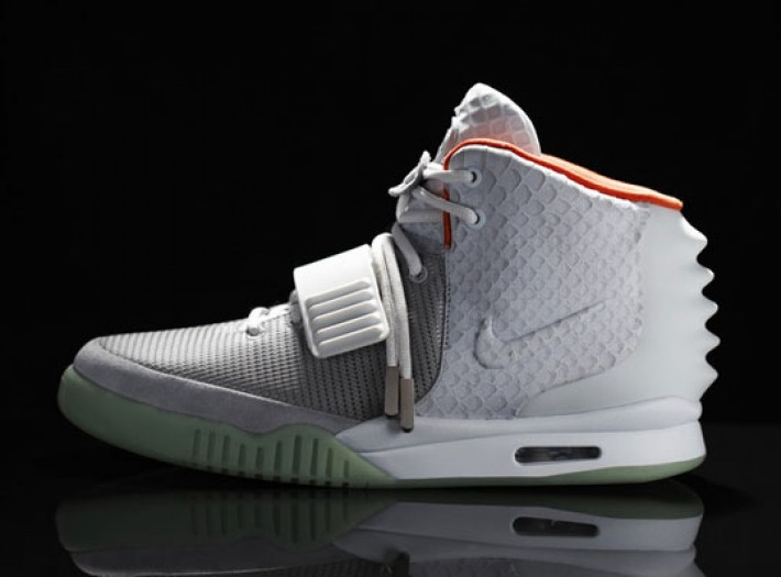nike-air-yeezy-2-official-images-0
